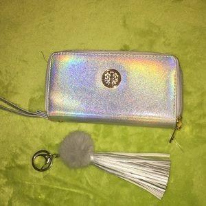 Clutch purse and key ring! Many compartments! NWOT